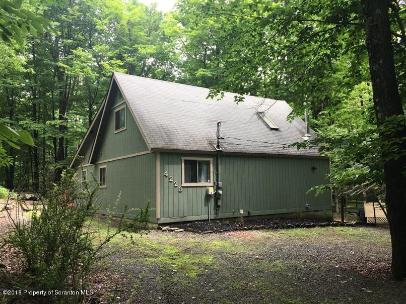 4228 Chestnut Hill Drive,Lake Ariel,Pennsylvania 18436,3 Bedrooms Bedrooms,6 Rooms Rooms,2 BathroomsBathrooms,Residential,Chestnut Hill,18-3005