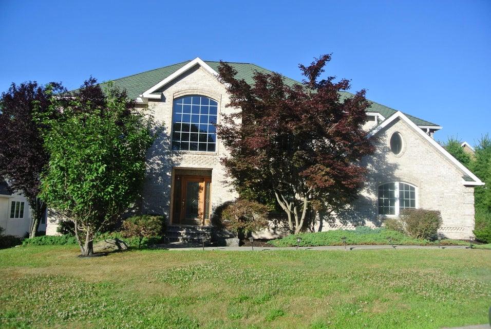 5 Beckett Close Moosic,Pennsylvania 18507,5 Bedrooms Bedrooms,10 Rooms Rooms,3 BathroomsBathrooms,Residential lease,Beckett Close,18-3161