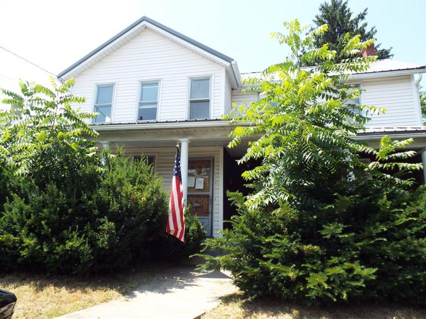 202 Erie St,Jessup,Pennsylvania 18434,3 Bedrooms Bedrooms,6 Rooms Rooms,1 BathroomBathrooms,Residential,Erie,18-3219