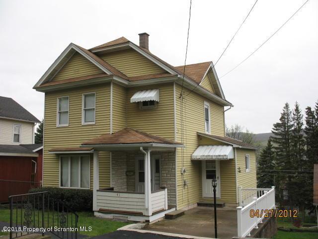 41 Birkett St,Carbondale,Pennsylvania 18407,2 Bedrooms Bedrooms,6 Rooms Rooms,2 BathroomsBathrooms,Residential lease,Birkett,18-3389