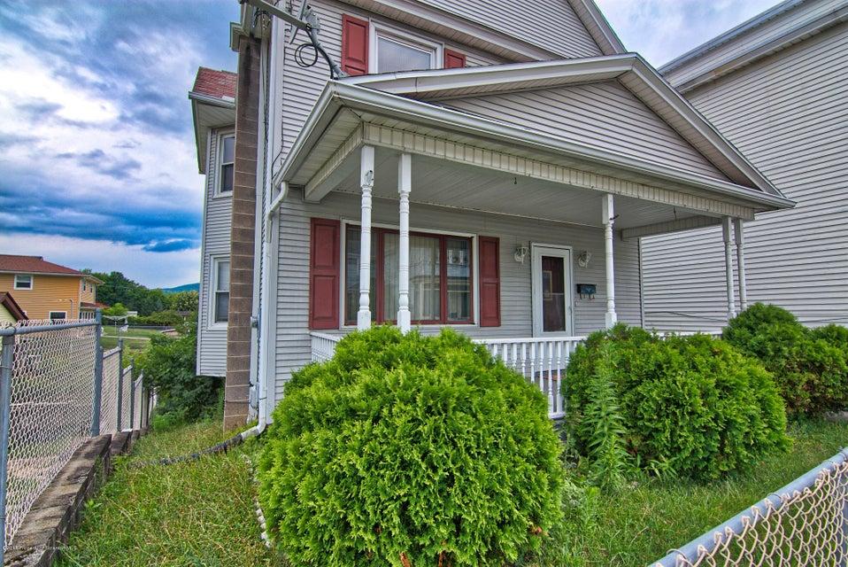 409 George St,Throop,Pennsylvania 18512,3 Bedrooms Bedrooms,6 Rooms Rooms,1 BathroomBathrooms,Residential,George,18-3473