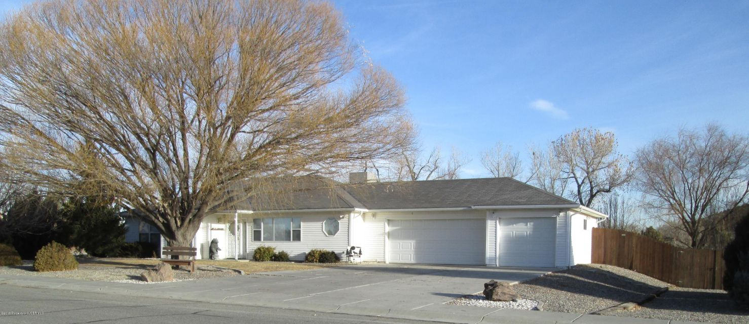 611 FRENCH Drive,AZTEC,New Mexico 87410,3 Bedrooms Bedrooms,2.5 BathroomsBathrooms,Residential,FRENCH,18-107