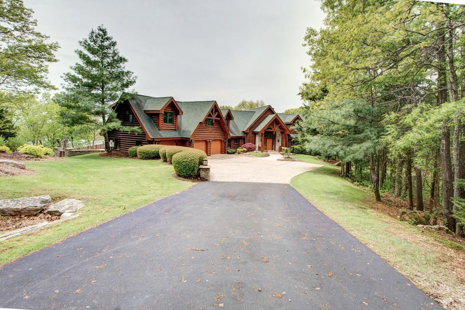 457 Hunters Glen Lane