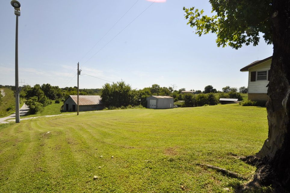 6207 Farm Road 175