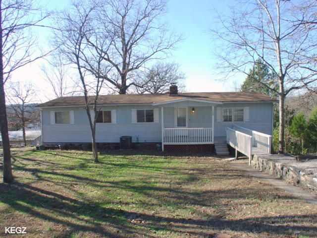 136  Lakeview Drive Hollister, MO 65672