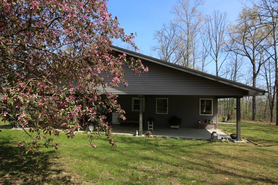 160 East Rr 71 Highway Alton, MO 65606