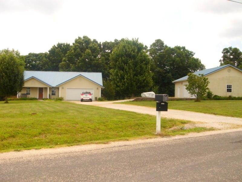290  Highlands Drive Spokane, MO 65754