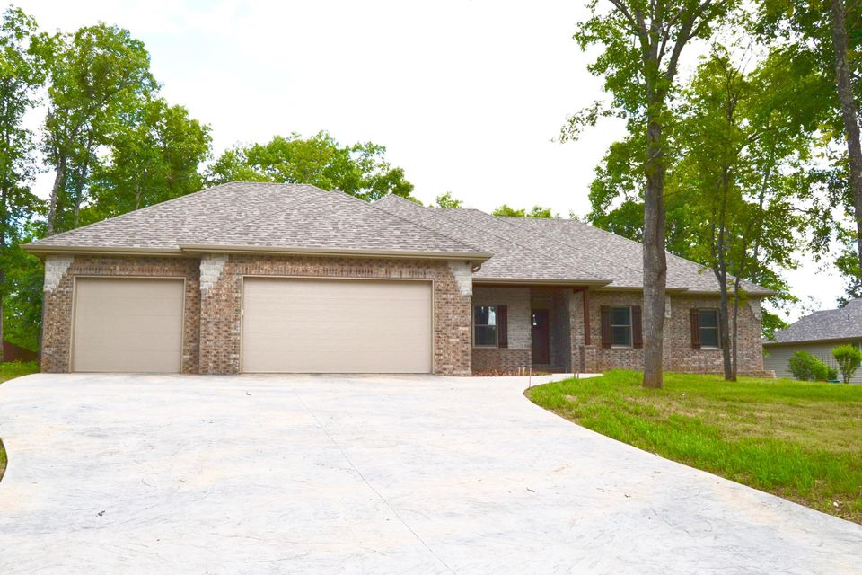 1004  Silvercrest Place Reeds Spring, MO 65737