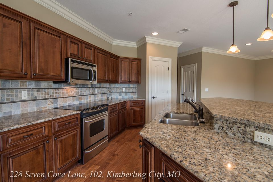 228  Seven Cove Lane #106 Kimberling City, MO 65686