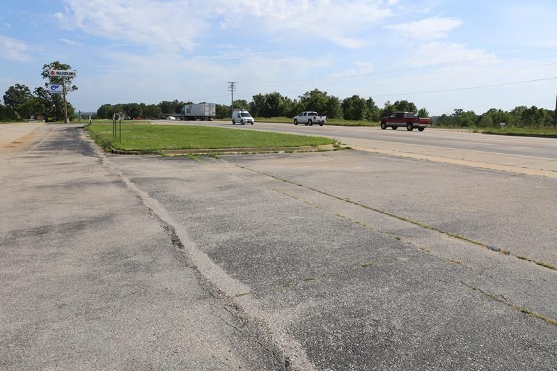 3556 U.s. Highway 63 North