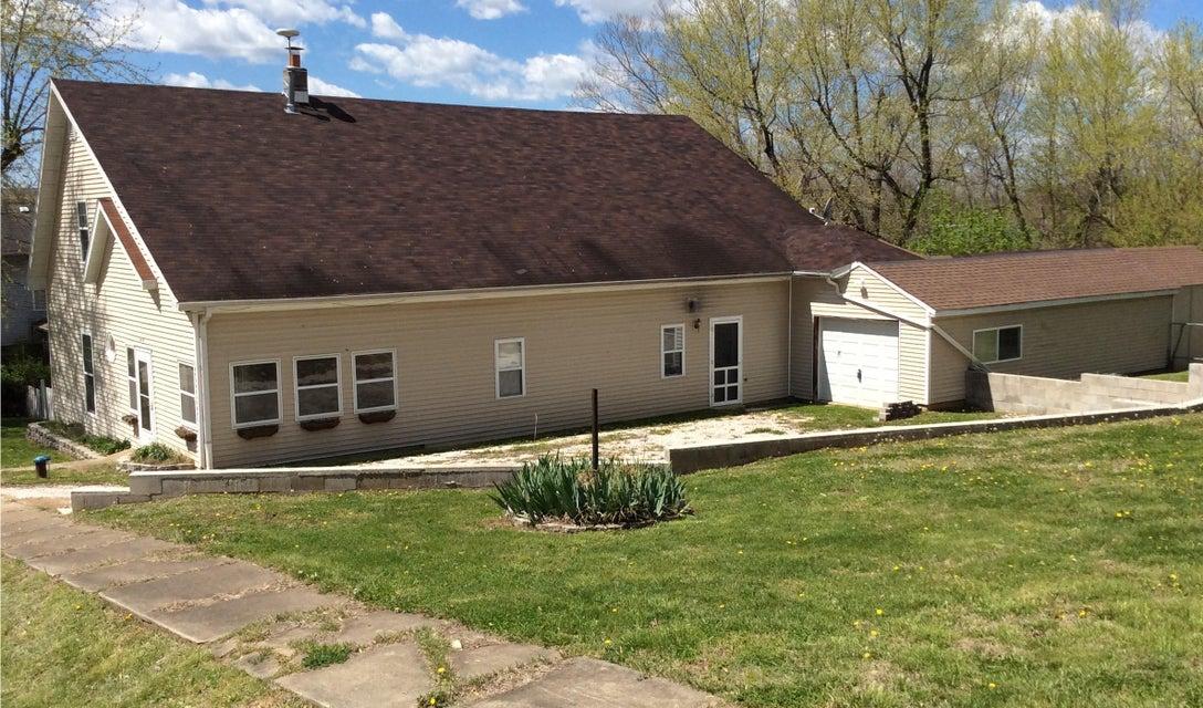 449  St Louis Street Aldrich, MO 65601