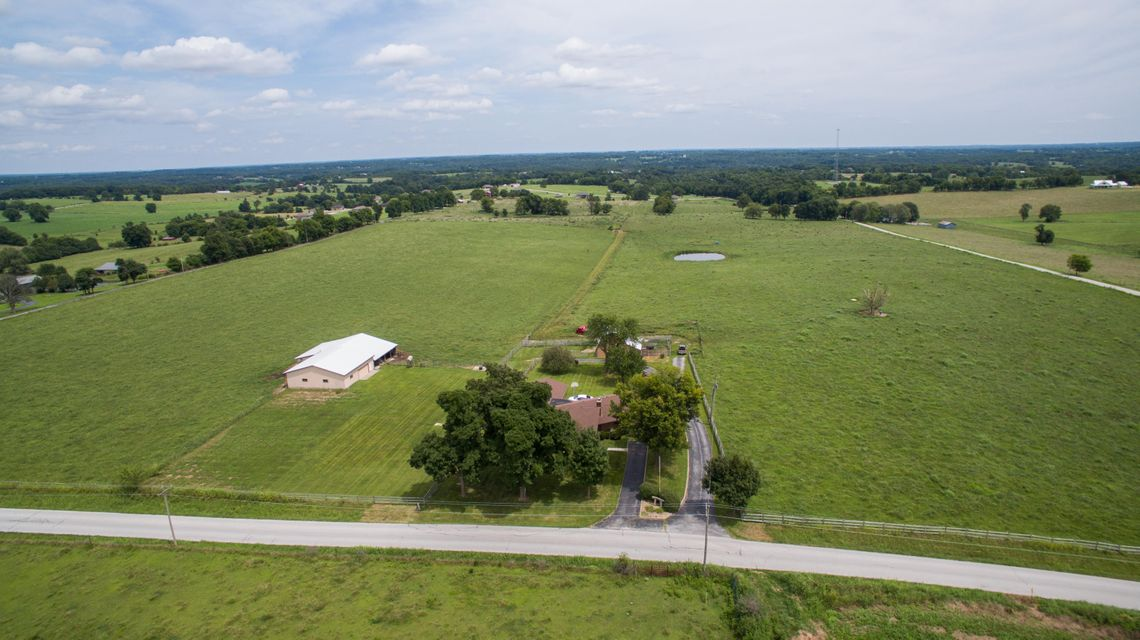 728  Hidden Valley Road Clever, MO 65631