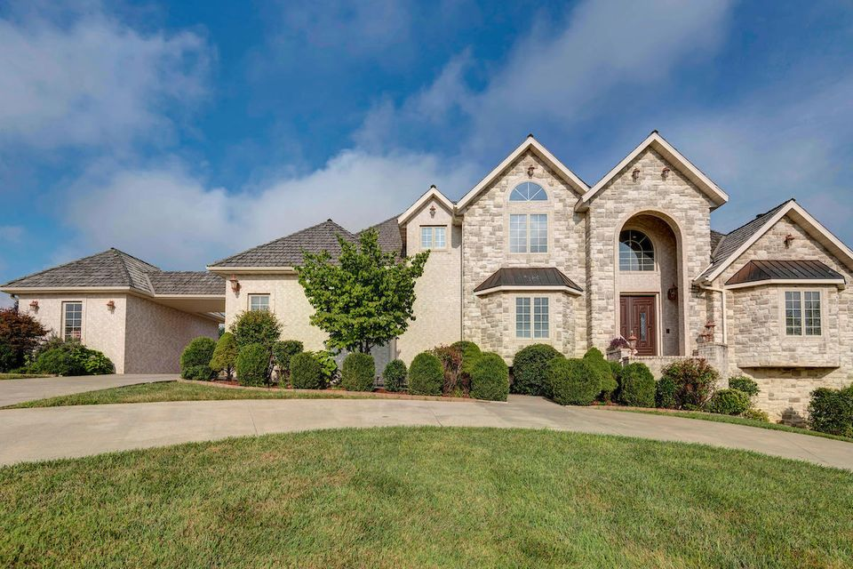 3630 East Turtle Hatch Road Springfield, MO 65809