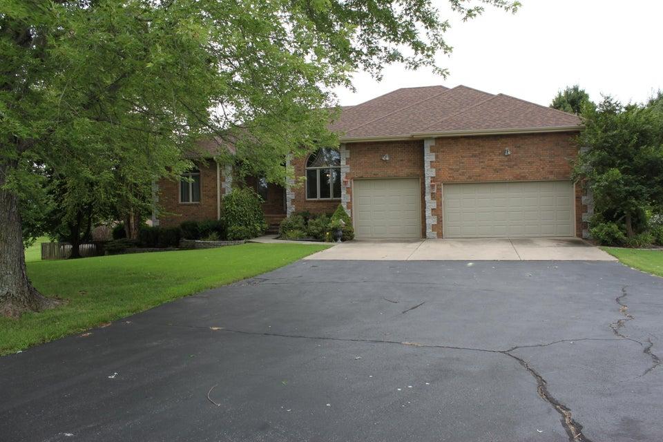 1626 E Peartree Drive, Ozark, MO 65721
