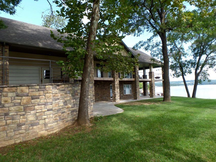 1051  Point Seven Road Kimberling City, MO 65686