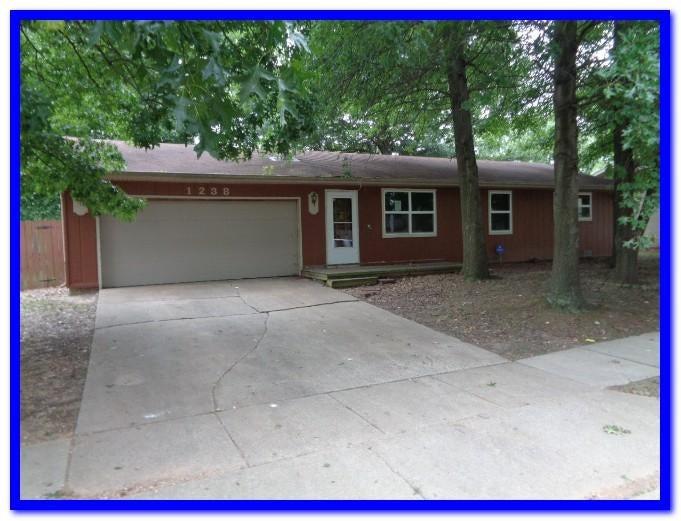 1238 N Drury Avenue, Springfield, MO 65802