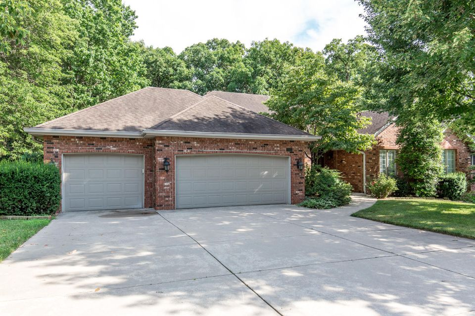 4302 East Misty Woods Street Springfield, MO 65809