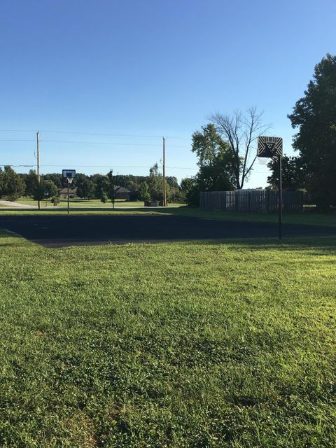 5511 North Seacrest Drive Ozark, MO 65721