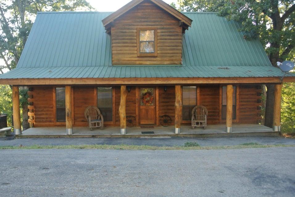 360  Lone Pine Road Branson, MO 65616