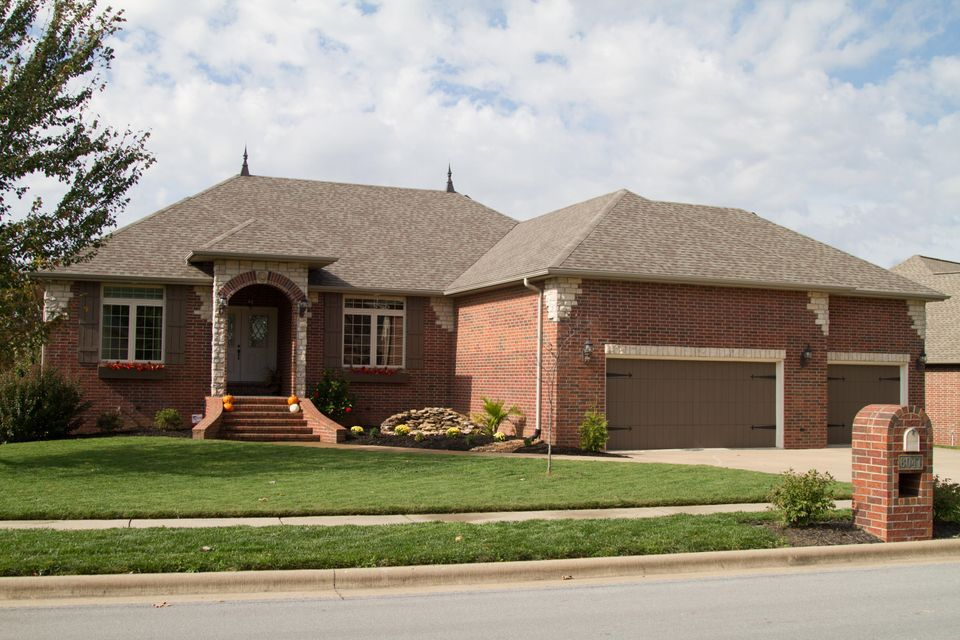 6041 South Lakepoint Drive Springfield, MO 65804