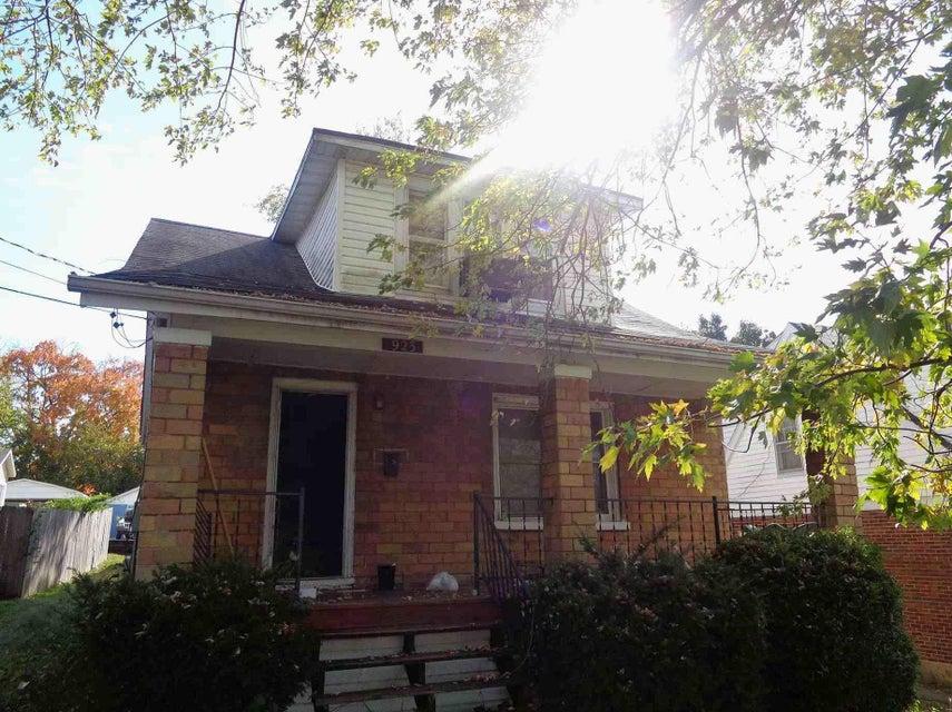 923 Washington Street