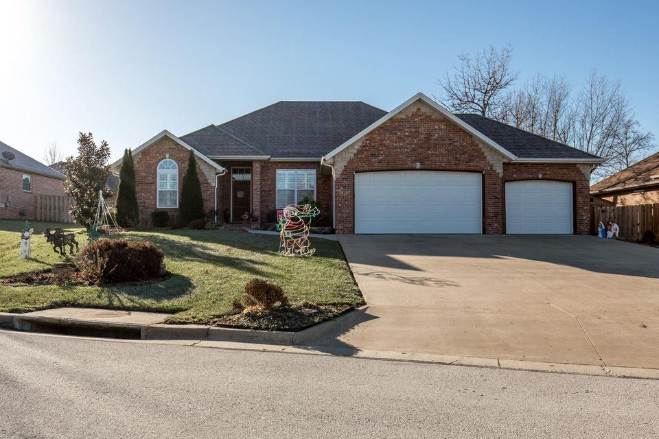 3792 West Vincent Drive Springfield, MO 65810
