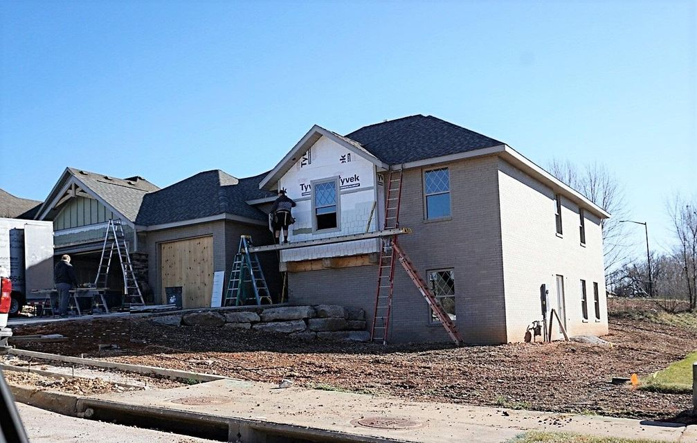 1813 N Patriot Drive, Ozark, MO 65721