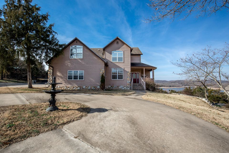 5  Heron Lane Blue Eye, MO 65611
