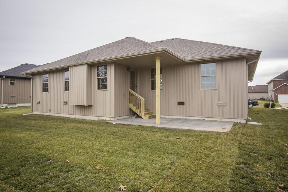 723 East Placer Mill Road Nixa, MO 65714