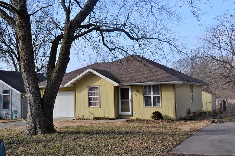 1055 South Glenn Avenue Springfield, MO 65802