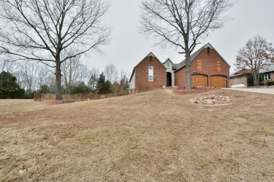 995  Mule Barn Drive Cape Fair, MO 65624