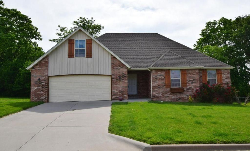 118 North Peach Brook Road Nixa, MO 65714