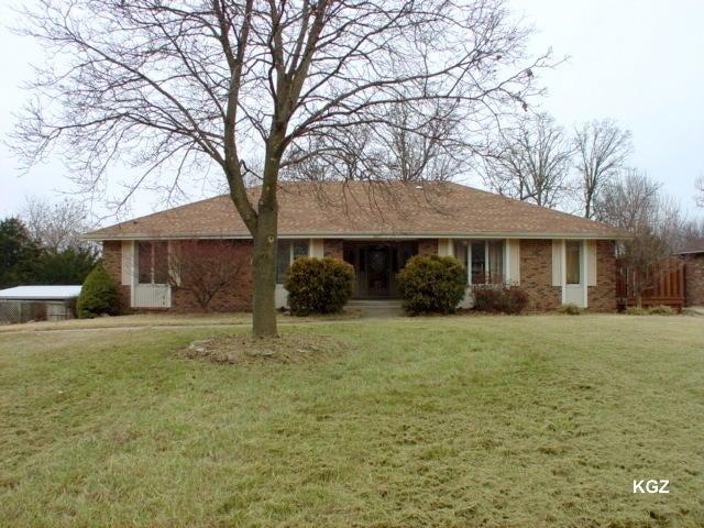 1667 S Oak Drive, Aurora, MO 65605