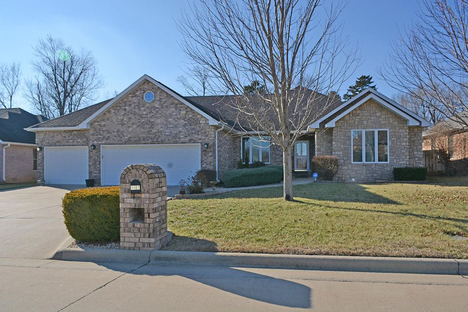 4463 South English Ivy Avenue Springfield, MO 65804