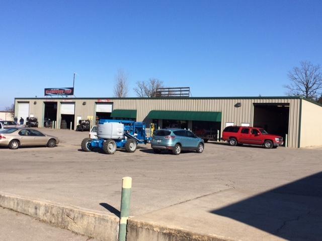 128-130 Industrial Park Drive