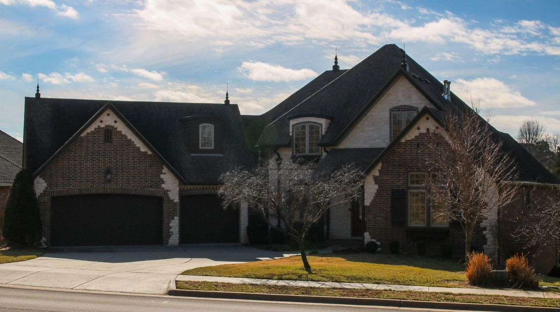 5909 South Brightwater Trail Springfield, MO 65810