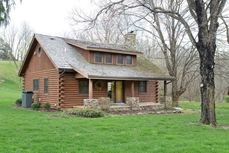 Hunting property in the ozark mountains in northwest arkansas combs -  845 000