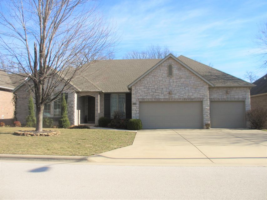 6440  Meadowview Drive Springfield, MO 65721