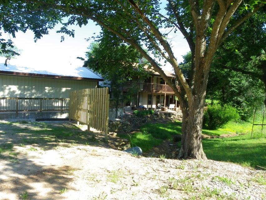 28840 Farm Road 1215, Eagle Rock, MO 65641