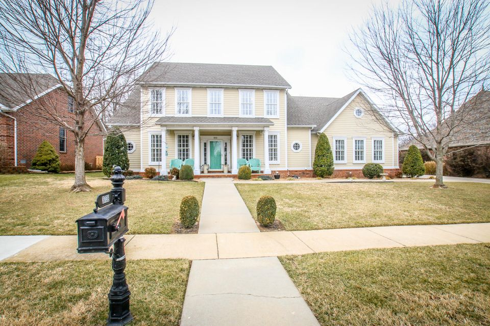 3739 South Forest Avenue Springfield, MO 65807