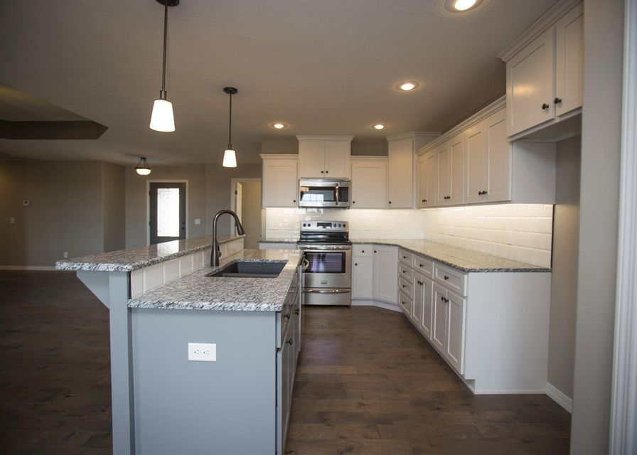 814 South Eastridge Avenue Nixa, MO 65714