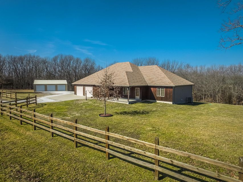 496  Clydesdale Drive Rogersville, MO 65742