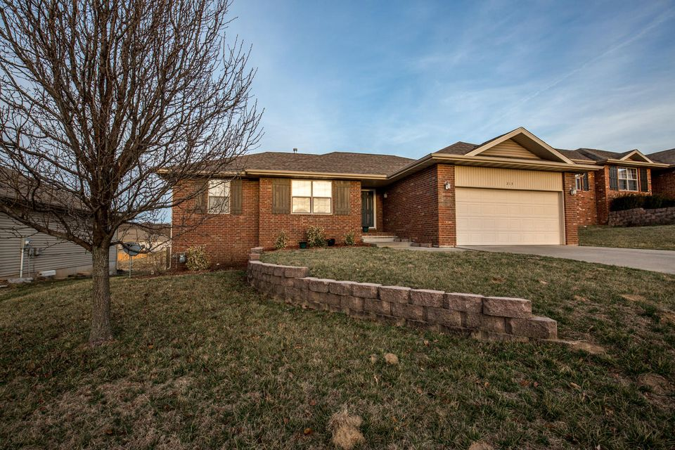 213 West Mazzy Drive Springfield, MO 65803
