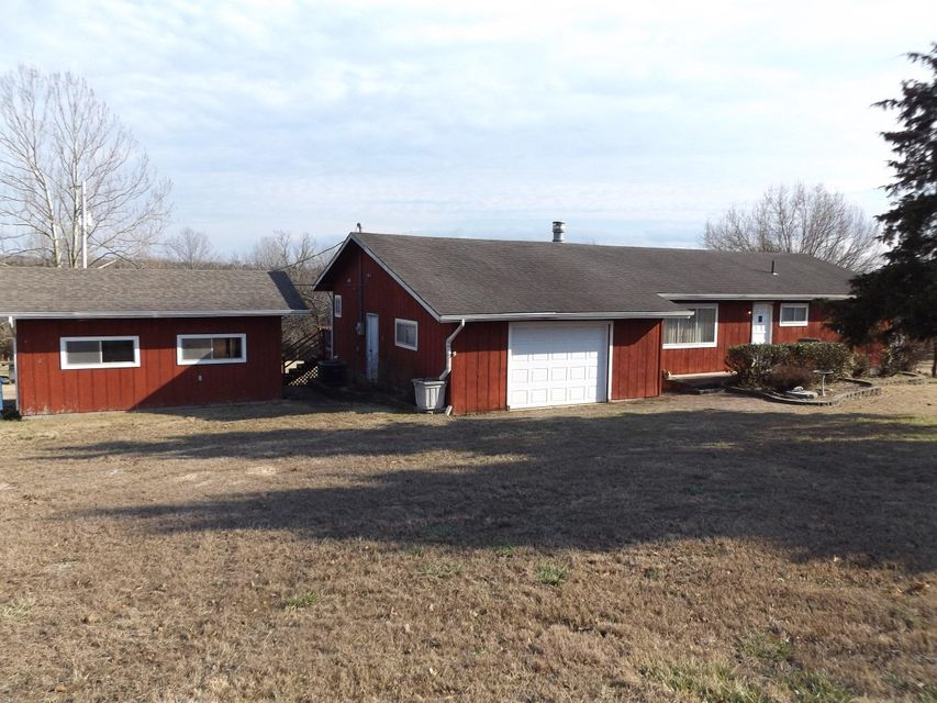 285  Elbow Road Protem, MO 65733