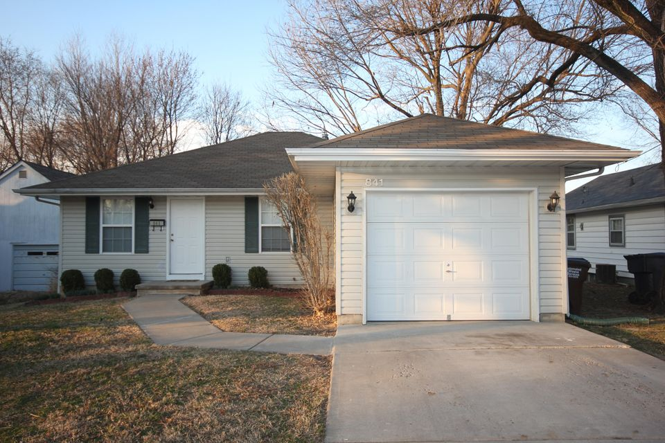 841 West Woodlawn Street Springfield, MO 65803