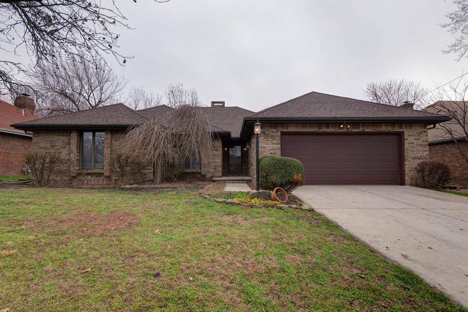 3060 South Oak Avenue Springfield, MO 65804