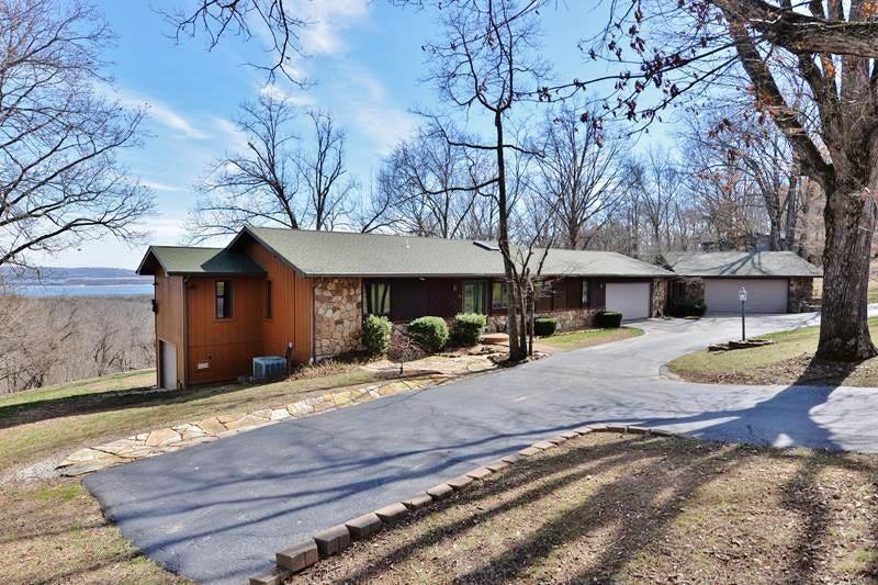 6  Briar Oaks Lane Reeds Spring, MO 65737