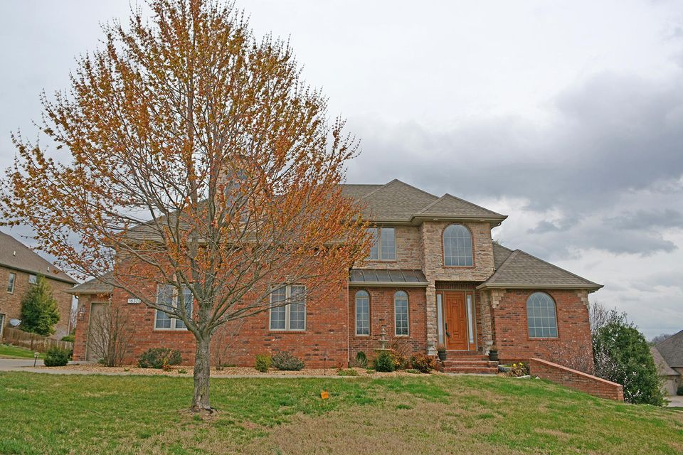 6328 South Riverbend Road Springfield, MO 65810