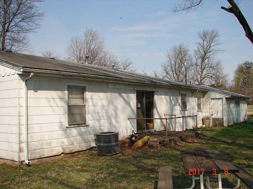 1542 South Farm Rd 129 Springfield, MO 65807