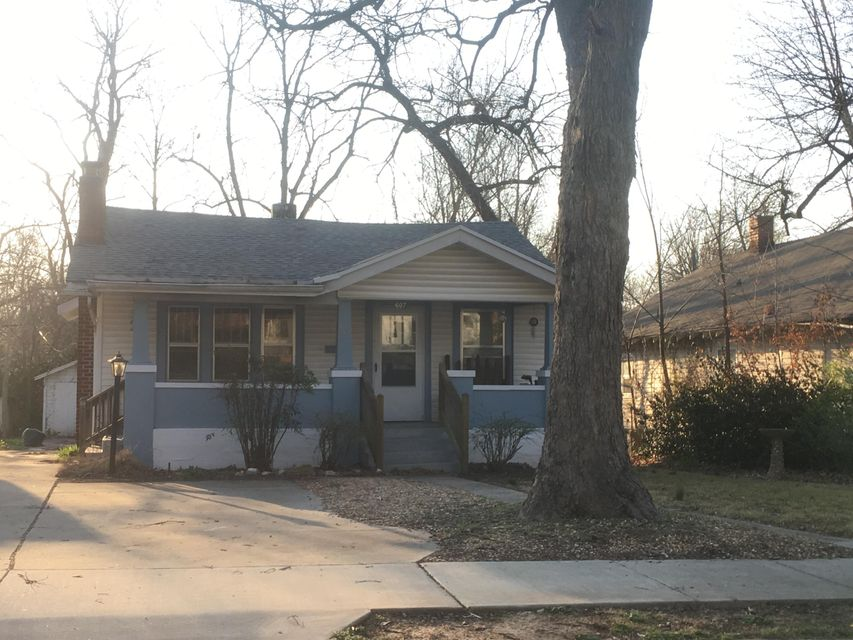 607 S Kentwood Avenue, Springfield, MO 65802